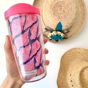 NWOT Lilly Pulitzer navy & pink seashell tumbler